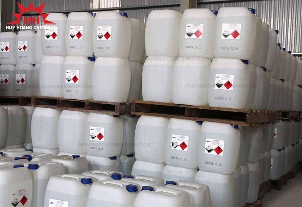 Acid Acetic CH3COOH 99.85% - Hàn Quốc xếp trong kho hàng công ty